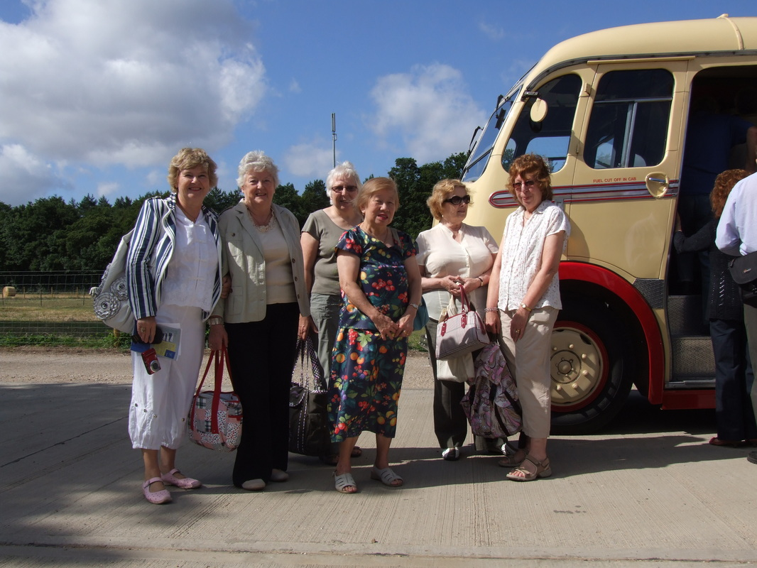 Vintage coach day excursions and days out in Norfolk from Eastons Vintage Coach Hire