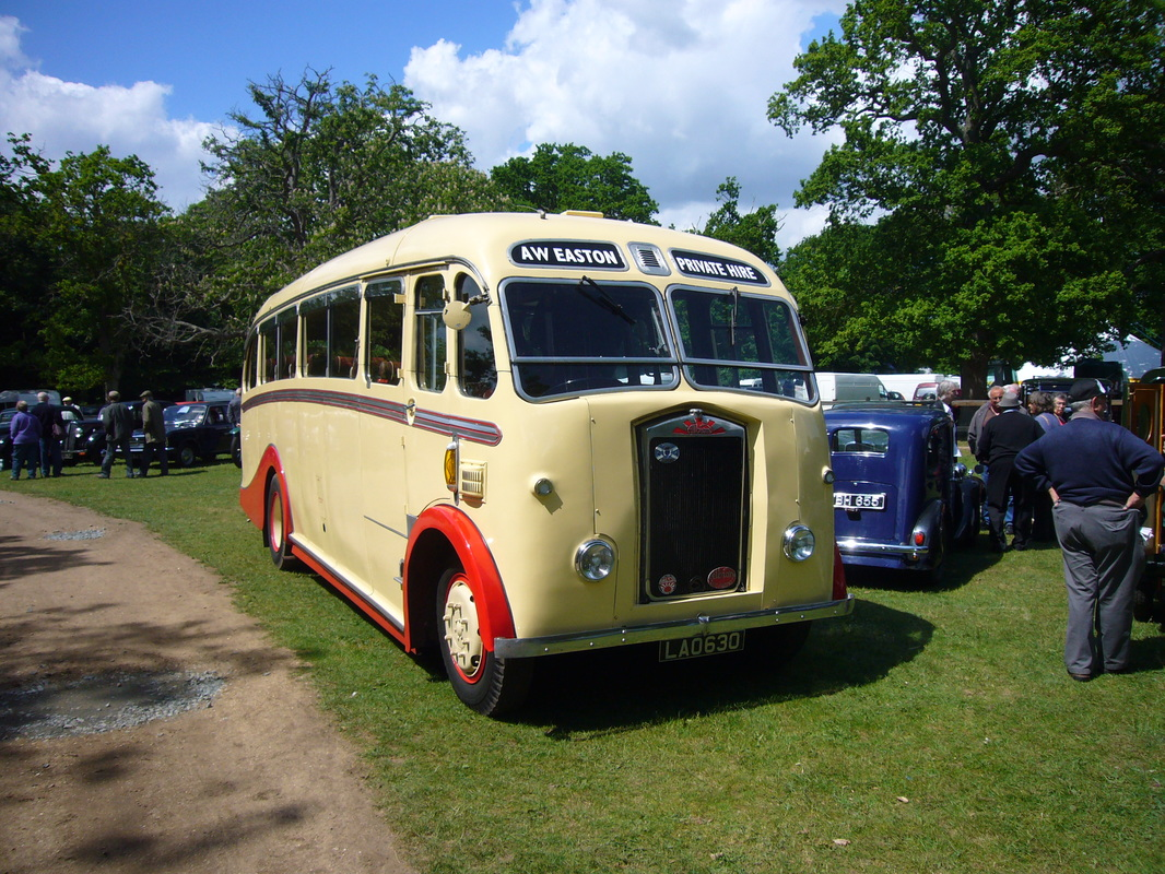 Vintage coach hire for weddings, events and days out in Norwich and Norfolk